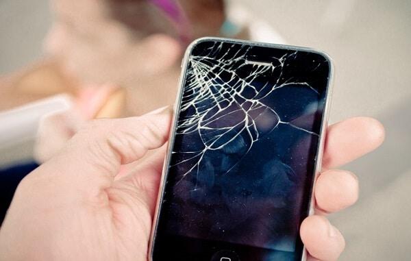 Je Unatumia iPhone Iliyovunjika Kioo? Soma Hii