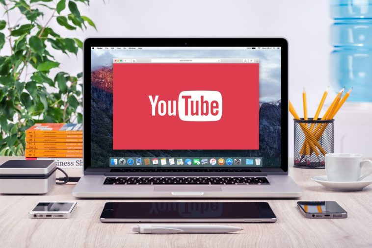 Kuchat YouTube kwa Kutumia Kompyuta