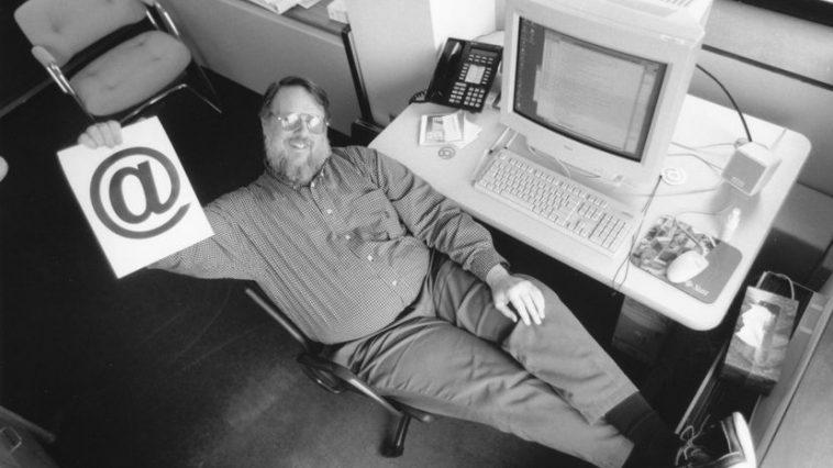 Ray Tomlinson aliye gundua barua pepe za kielektroniki au Email.