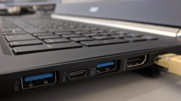 Funga USB Port Kwenye Kompyuta Mtu Asitumie Flash